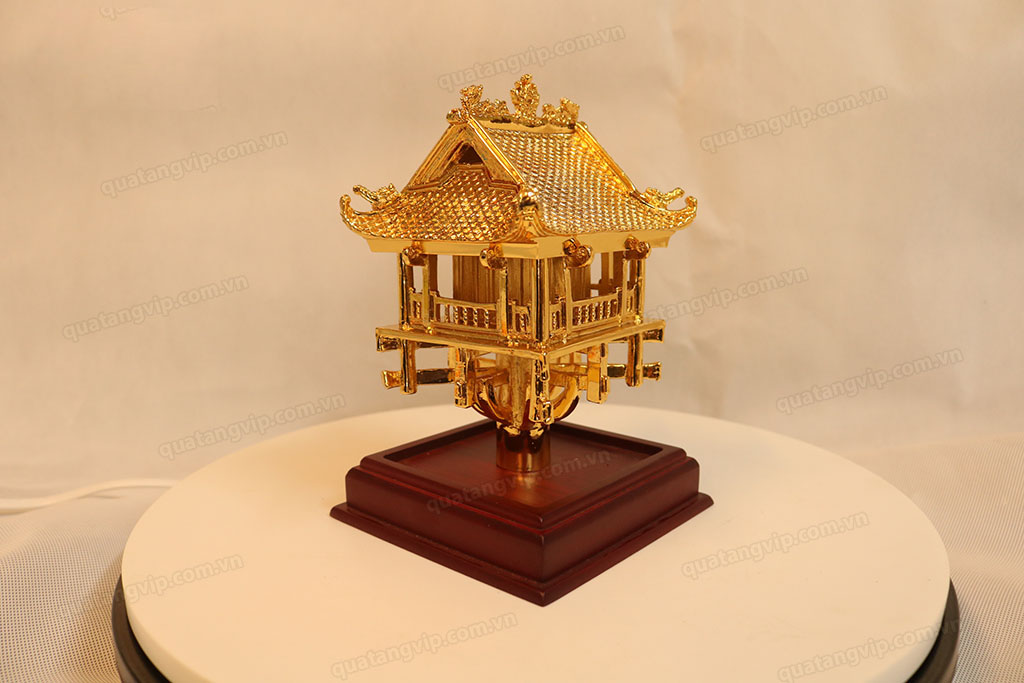 Chùa Một Cột bằng đồng mạ vàng cao 18cm - Q0115