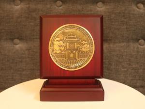 Biểu trưng Khuê Văn Các bằng đồng F15 - Q0222