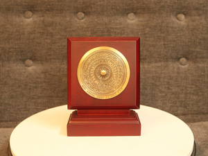 Biểu trưng Trống Đồng đúc F10 - Q0219