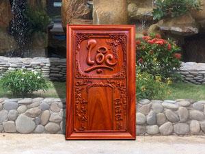 Đốc lịch Gỗ Hương Chữ Lộc 41cm x 67cm