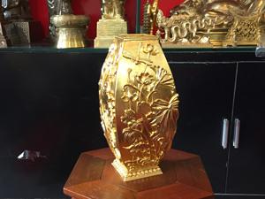 Lọ hoa sen tứ giác bằng đồng dát vàng cao 32cm - Q0547