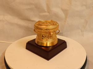 Quả Trống Đồng dát vàng đường kính 10cm - Q0263