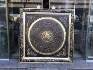 Tranh mặt trống bằng đồng vàng khung đồng 90cm x 90cm - Q0485