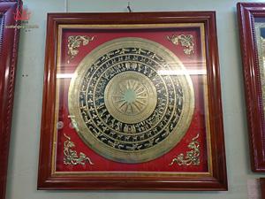 Tranh mặt trống đồng vàng gò thủ công 69cm x 69cm - Q0303
