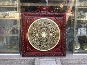 Tranh trống đồng vàng đúc đường kính 80cm khung gụ 1m07 - Q0386