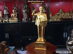 Tượng Bác Hồ Đứng Chào Dát Vàng cao 45cm