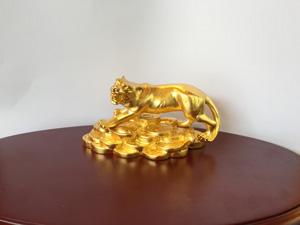Tượng đồng Con Hổ dát vàng cỡ 10cm - Q0573