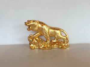 Tượng con Hổ bằng đồng thếp vàng 20cm - Q0683