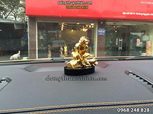 Tượng Đồng Con Khỉ Bọc Vàng Để Taplo Ô Tô 8cm