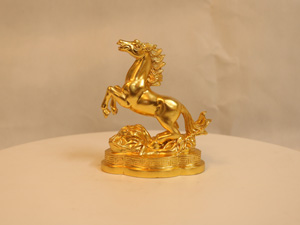 Tượng đồng con Ngựa dát vàng cao 11cm - Q0121