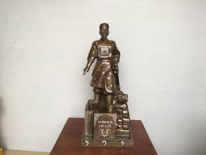 Tượng vua Lê Lợi bằng đồng khảm tam khí 61cm - Q0432