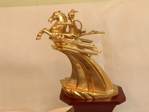 Tượng đồng Thánh Gióng cao 36cm - Q0256