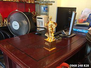 Tượng Đồng Trần Quốc Tuấn Để Bàn Dát Vàng 30cm