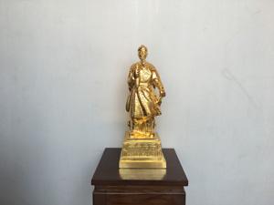 Tượng đồng Trần Quốc Tuấn mạ vàng cao 38cm - Q0427