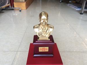 Tượng đồng Đại tướng Võ Nguyên Giáp cao 13cm - Q0322