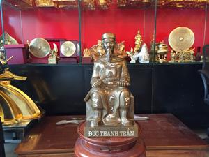 Tượng Đức Thánh Trần ngồi khảm bạc kỹ 42cm - Q0615
