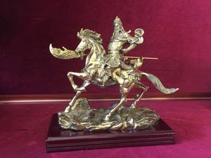Tượng Quan Công cưỡi ngựa cầm đao bằng đồng dapha dài 23cm - Q0309