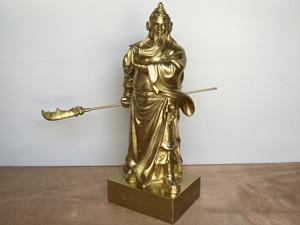 Tượng Quan Công cầm đao bằng đồng vỏ đạn cao 70cm - Q0345